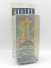 Neca ALIENS Xenomorph Egg & Facehugger NEU/OVP - vergilbt / yellowed