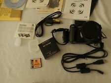 { NIKON COOLPIX E5700 DIGITAL CAMERA