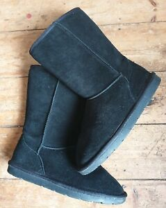 SoulCal&Co black suede mid calf slip on boots w'snug wool lining and insole. S.4