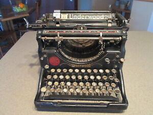 Vintage 40's/50's Underwood Manual Typewriter Made in USA Serial # 2285582-5