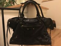 RARE 100% Auth Balenciaga Black RH City 2006 Chevre Leather Dustbag Purse Bag