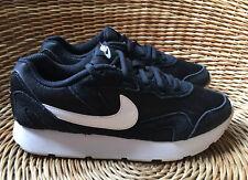 Nike delfines para mujer Negro y Blanco Correr Zapatillas Zapatos UK 5.5 EU 39 nos W 8 en muy buena condición