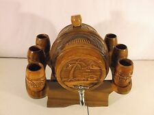 BEAUTIFUL DECORATIVE TABLETOP WOODEN KEG AND STAND WITH SIX WOODEN CUPS