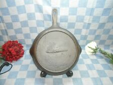 #8 Raised Gated Cast Iron Skillet Late 1800's scooped handle