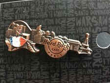 HARD ROCK CAFE PIN PARIS 3D SKYLINE GUITAR
