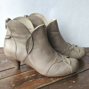 Genuine Leather Coupleof Ankle Booties Anthropologie Taupe Size 9