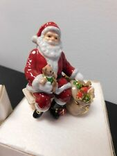 Royal Doulton holiday Santa Claus collectible figurine New in open box free ship