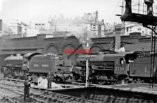 PHOTO  LMS 2758 AND LNE THOMPSON B1 4-6-0 NO 61325 AT BIRMINGHAM NEW STREET 1949
