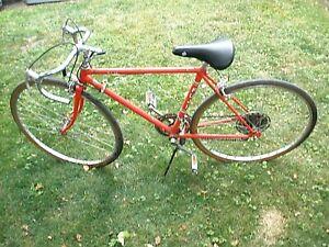 "Vintage Fuji SJ10 Men's Bicycle 10 Speed Road 26"""