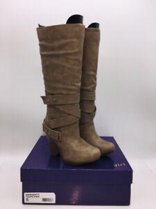 Madden Girl Women's Sargentt Knee High Fashion Boots Gray US 5M