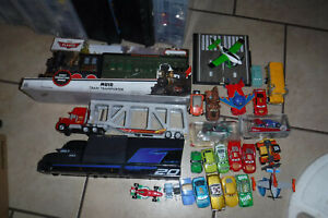 Disney Pixar Cars and Planes Lot of 26 Diecast and Plastic