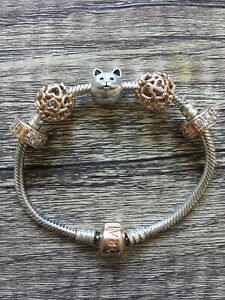 Pandora bracelet / braccialetto
