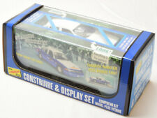 Lindberg Ford Crown Victoria Security Vehicle & Display 1:25 Model Car Kit 123