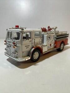 Corgi Baltimore Fire Dept Engine 30 Seagrave Fire Truck. Very Well Detailed 😎