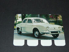 N°34 RENAULT DAUPHINE PLAQUE METAL COOP 1964 AUTOMOBILE A TRAVERS AGES