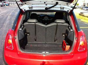 MINI COOPER  REAR SEAT CARGO AREA (BLACK)  PULL STRAPS