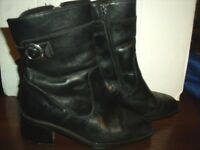 LADIES BLACK WINTER BOOTS, SIZE 3 ______________________________