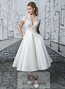 Knielang Ivory Standesamtkleid Brautkleid Spitze Oberteil V-Ausschnitt  Kurzarm