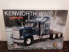 Revell 1/25 Kenworth W900 Plastic Model Kit 85-1507