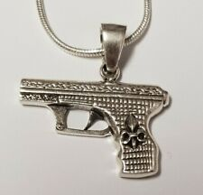 Beautiful Sterling Silver .925 Gun/Pistol Pendant with 20 inch necklace, 9.76g