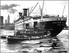 Photo: SS United States, Tug Alice Moran & Empire State Bldg Icy NY Arrival 1958