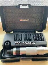 FACOM outils Visseuse à Impact Bit Set Avec NS.260A Driver + étui