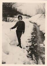 Vintage Foto Hübsche Frau im Schnee 60/70er Jahre-2