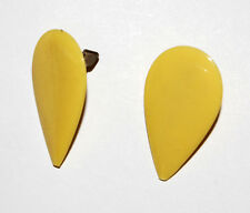 VINTAGE PLASTIC HAIR CLIPS • RETRO BARRETTE TEAR DROP • 1970's • tan or yellow