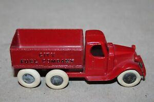 NICE 1930's TOOTSIETOY RED  MACK CAB CITY FUEL COMPANY TRUCK