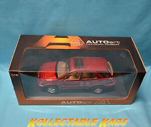 1:18 AutoArt - Toyota Harrier - Red