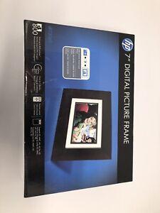 "Hewlett Packard HP-DF730P1 7"" Digital Picture Frame, New, Look!"