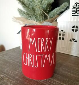 RAE DUNN ~ Red Ceramic MERRY CHRISTMAS Tree Scented Christmas Candle 7.7 oz ~NEW