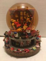 "Grandeur Noel Collectible Musical Water Globe ""Santa Claus is Coming toTown"""