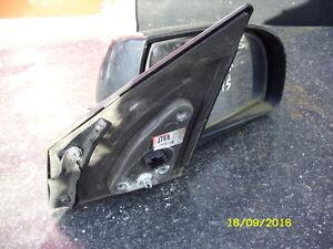 KIA CARENS 2004 DRIVERS SIDE ELECTRIC DOOR MIRROR