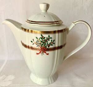 CLASSIC MIKASA CHRISTMAS GARDEN COFFEE POT L3511, ORIG LABEL, MSRP $220 FAB COND
