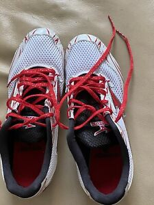 Womens White and Red Mizuno Track Spikes Size 8