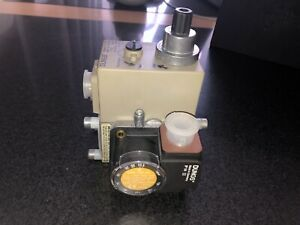 DUNGS MB-DLE 403 B01 S20 - 230v - 200mbar Gas Valve