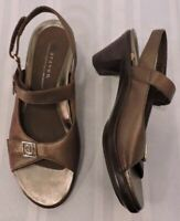 Womens ARAVON Brown Leather Walking Ankle Strap Sport Sandals SIZE 8 AA UNWORN