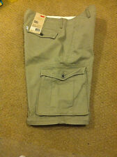 Levi's Men Cargo Shorts Size 29, its Below Waist, Below the Knee,Relaxed Fit NWT