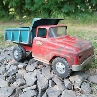 Vintage 1960's TONKA TOYS Mound Minn original Red & Green Dump Truck