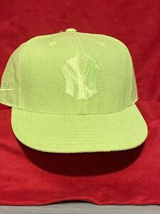 New York Yankees Mitchell Ness Green Hat Size 7 1/4 $32