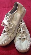 Nike - scarpe da ginnastica - N° 39 - colore bianco sporco - con stringhe