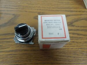 Cutler-Hammer 10250T1311 2 Position Selector Switch Maintained Cam 1 Surplus