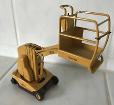Grove Manlift Toucan warehouse truck forklift fork lift truck good