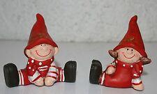 Winterkinder 2erSet sitzend 6,2 cm - 6,5 cm h Junge und Mädchen Keramik Deko
