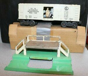 LIONEL TRAIN ACCESSORIES # 3472 OPERATING MILK CAR untested