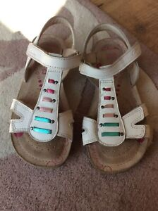 Clarks girls white leather sandals size 13.5