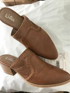 WITTNER Tan LEATHER MULES -38