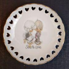 """Precious Moments Sew In Love 1984 4"""" Mini Ceramic Plate"""