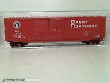 "MICRO TRAINS 03700090 ""GREAT NORTHERN"" 50' DBL DOOR BOXCAR W/LOAD   MIB N SCALE"